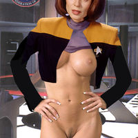 sexy star trek girl
