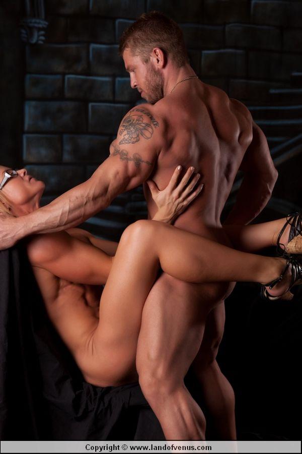 Pin on bodybuilding woman