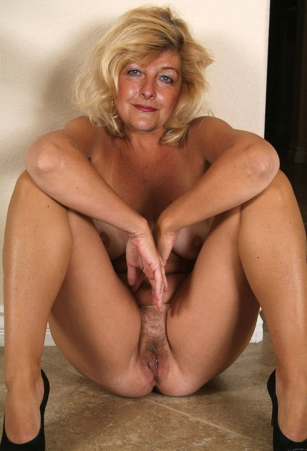 Stickyhole nude nasty mature free porn - MILF