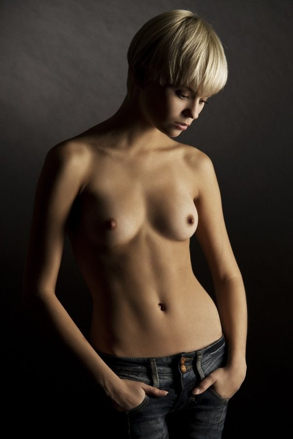 sexy-naked-short-haired-white-girl-fuck