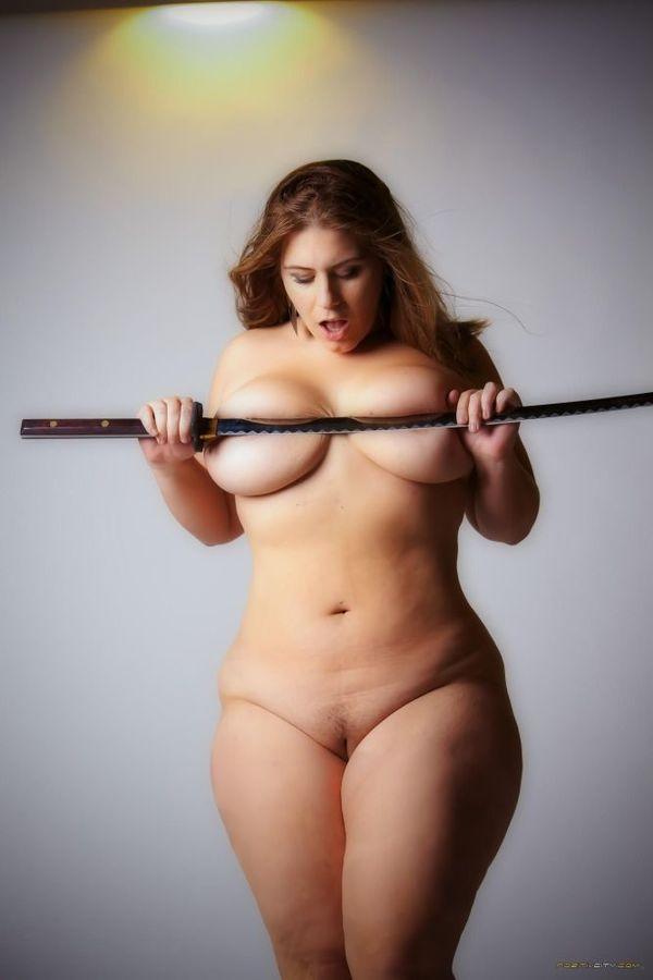 big-size-women-nude-panjabi-nund-picther