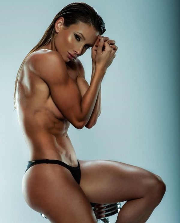 hot-naked-muscular-girls