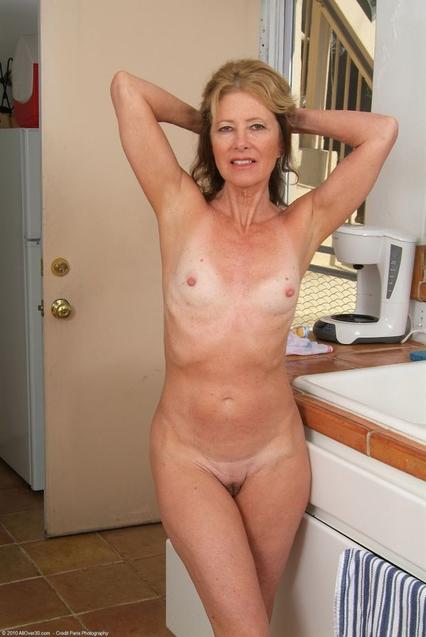 Naked mature woman uk, females with big clitts