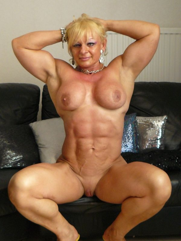 female-mature-biceps-nice-booty-small-waist-naked