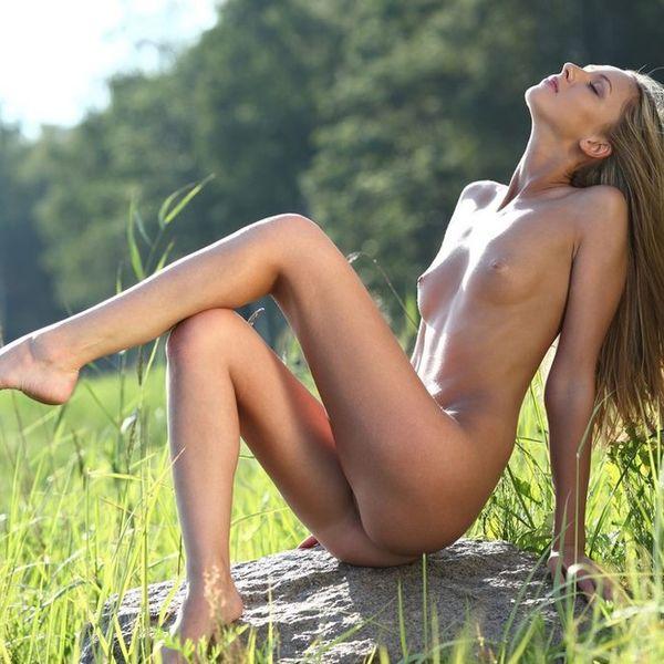 Nudist Girls Pics - Mobile Friendly Nudism Compilation - Par