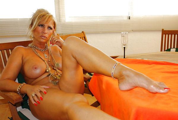 Sexy nude amature ladies — img 1