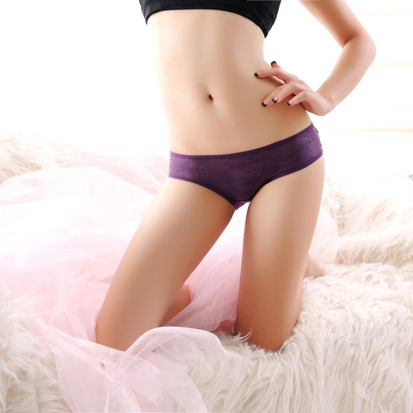 181DELICATE REAR CROSS BAND EMBROIDERED BUTTERFLY UNDERWEAR