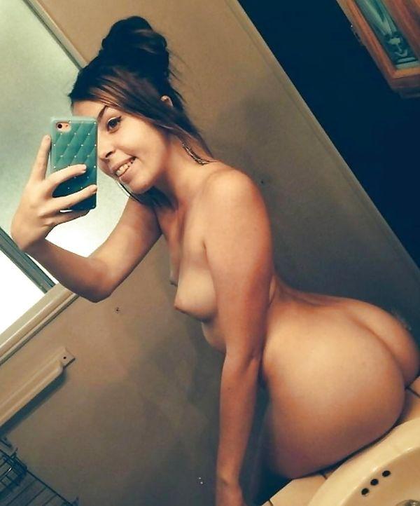 Nude Naked Slut Teen Selfie