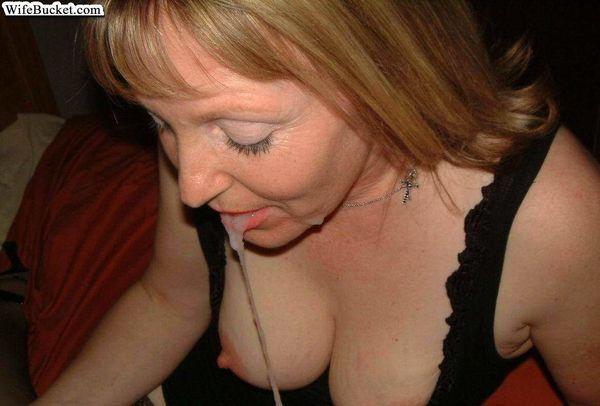 Bucket nude wife WifeBucket amateur