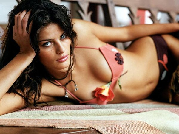 Isabeli Fontana - 2 Flash Games