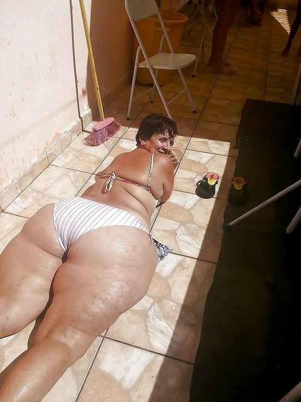 Grannies Matures Hairy Big pussies Big ass - photos