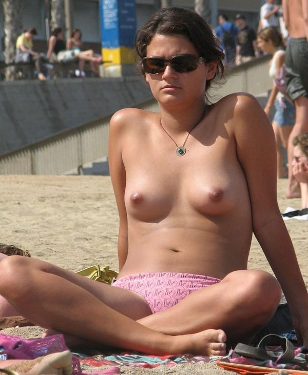 Voyeuy Jpg The best Nudist beach shots