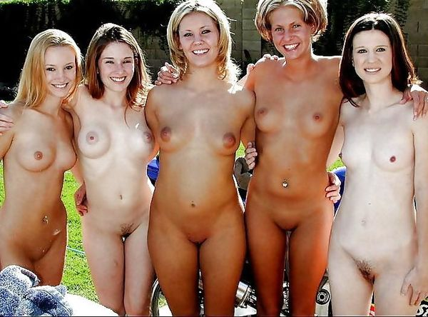 A Group Of Naked Woman Posing Nude - XXXPornoZone