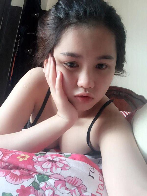 Hồng Chi - mặt học sinh ngực phụ huynh