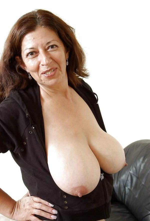 Old moms huge boobs