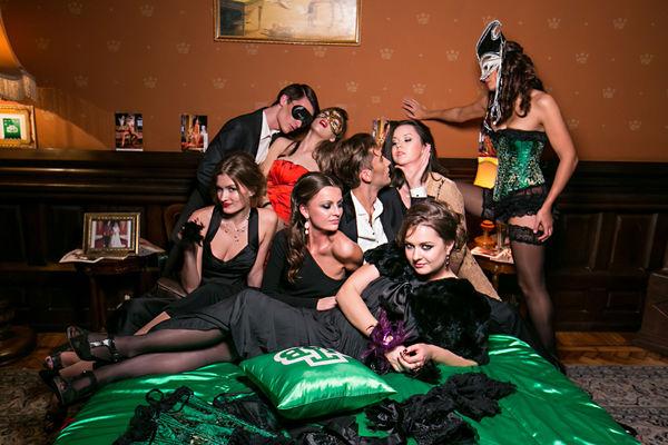 Свингеры в клубе фото