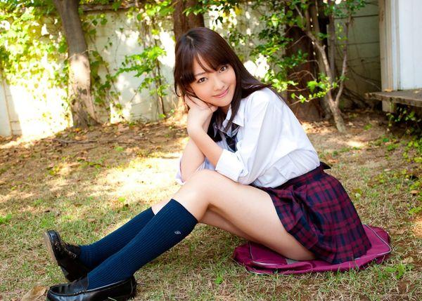 Cute gravure Idol Haruka Ando mini skirt wearing girl school