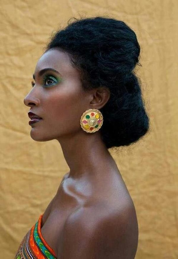 via African Fashion) Hair, skin, and color inspiration. Natu
