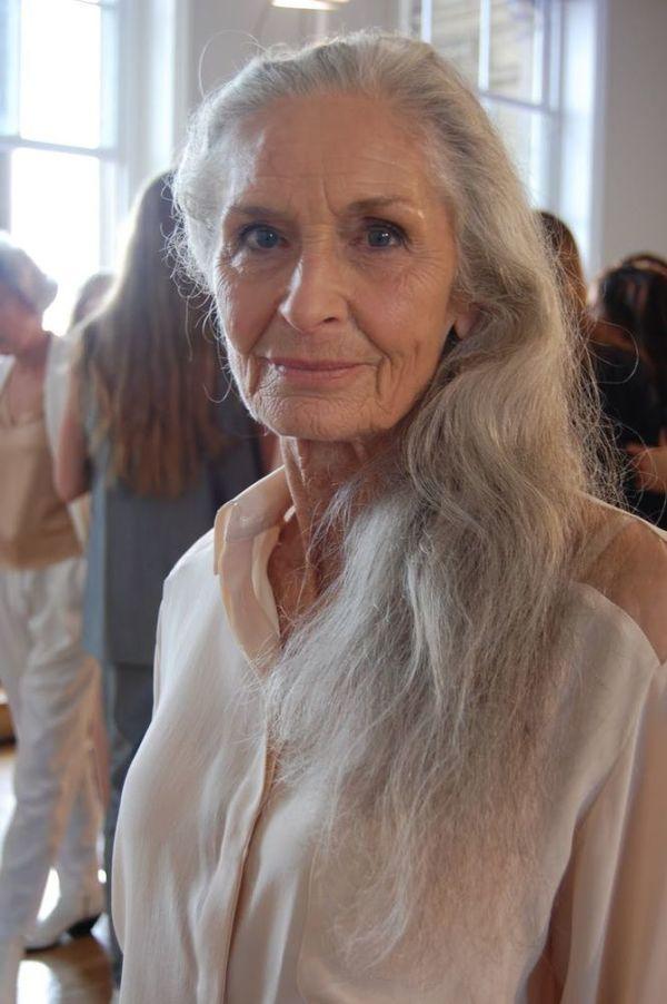 Daphne Selfe. World's oldest Super Model, age 83. No surgica