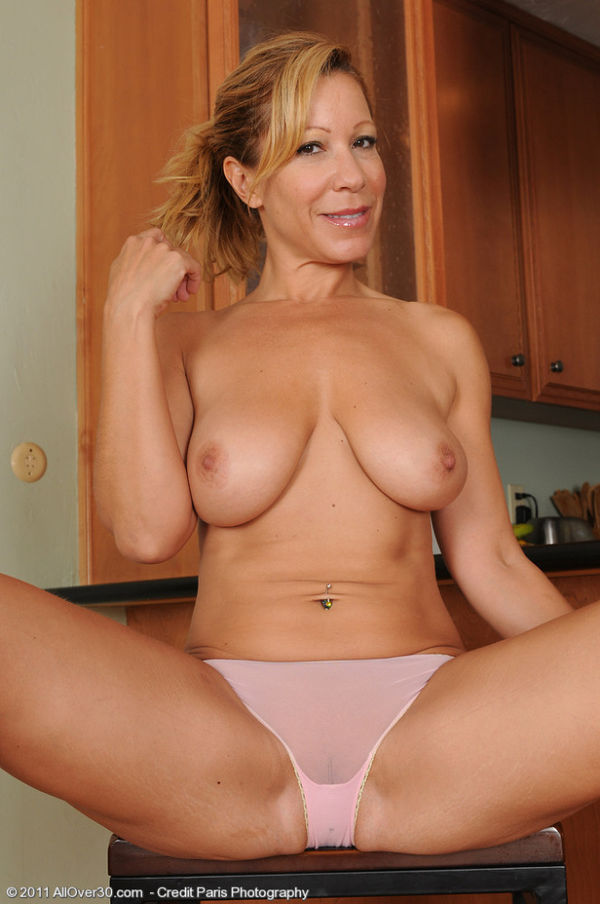 I'm in love with my mom's big tits