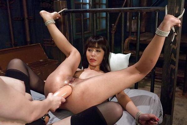 порно наказание красивой японки