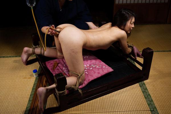 asian-clothespin-bondage
