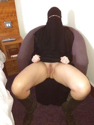 Hijab orgasm sorgusuna uygun resimleri..