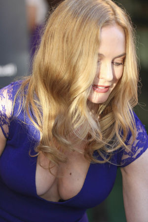 Heather Graham Random Candids Page 17