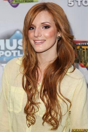 Bella Thorne Sexy Teen Actress Photos..