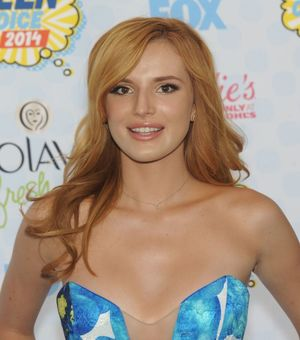 Bella Thorne - Teen Choice Awards 2014..