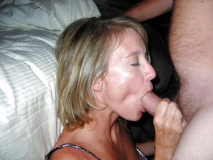 MILFS and Wives Love to SUCK 21 -..