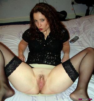 Naked amateur wives and MILFs -..