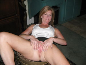 Pussy real showing wife - Other -..