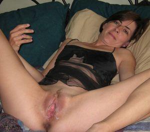 Amateur milf wife spread pussy -..