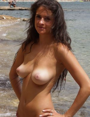 Nude Celebs Amateur Homemade Photos..