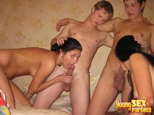 Youngsexparties Crazy And Wild Teens..