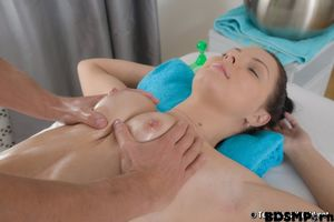 Realityjunkies - CUMSHOTS-Young Anal..