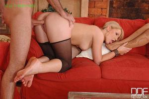 HotLegs&Feet Blonde babes Sabrina &..