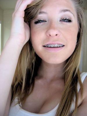 Blonde Cum In Her Tongue - XXX PHOTO
