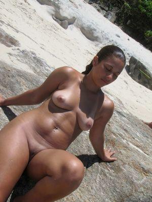 Amateur Latinas y Latinos on da beach..