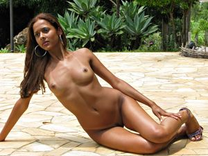 #nude #erotic Beauty on patio..