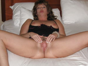 Amateur Spreading for Pics - Photo #4