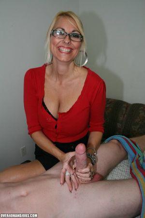 Middle aged masseuse Dallas Diamondz..