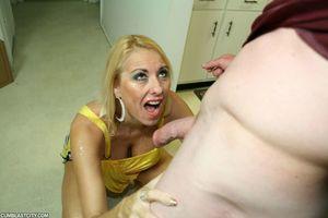 Blonde MILF Dallas Diamond grabs onto..