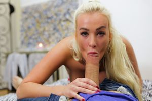 Daisy Lee - Only Teen Blowjobs