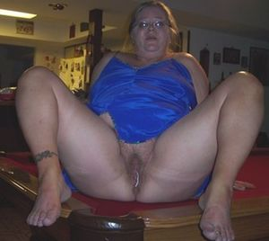 Fat old mature bitch porn hamster..
