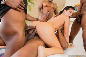 Top pornstar Keisha Grey gets..
