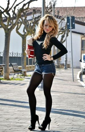 Pantyhose and shorts. A style that..