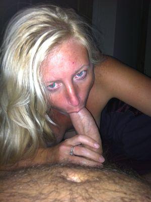 Blowjob blonde wife - Porn tube
