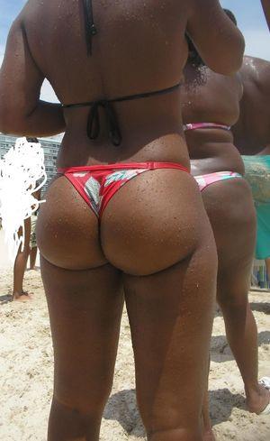 Round candid booty Big round brazilian..